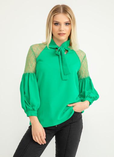 Foremia Omuzu Dantel Detay Bluz Yeşil